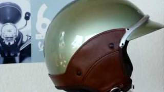 preview picture of video 'Vespa Vintage und Soft Touch Helm Bekleidung'