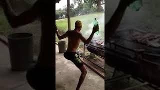 Bender el dios críticador apagando el fuego de su culo :v (novio de granny homosexual) || Jeff ||