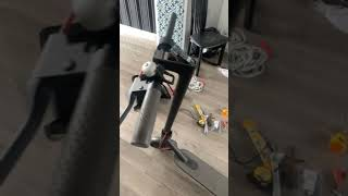 Beep sound and brake light flashing e-scooter