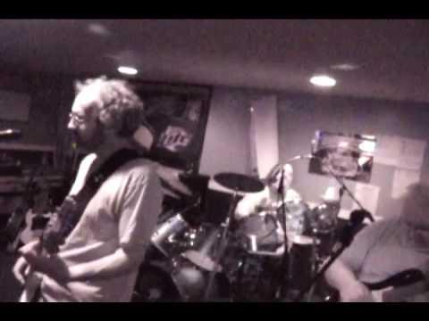 Comfortably Numb - Jelly! - TRIO Tavern April 2009