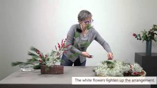 How to make an easy Ikebana Christmas Arrangement -  Part 3/3