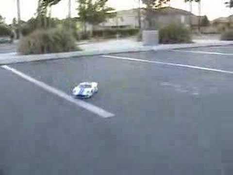 Novice R/C drifting Nissan 350Z, Ford GT.