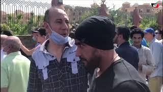 مازيكا فنانون يودعون محمود ياسين من أمام مسجد الشرطة بالشيخ زايد تحميل MP3