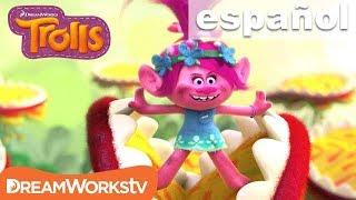 Clip de Get Back Up Again | TROLLS @DreamWorksTV Español