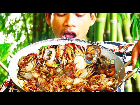 Tasty Fried Crab With Green Onion Asian Cooking Recipe| Dad Fried Crab To Eat With Monkey & Puppy