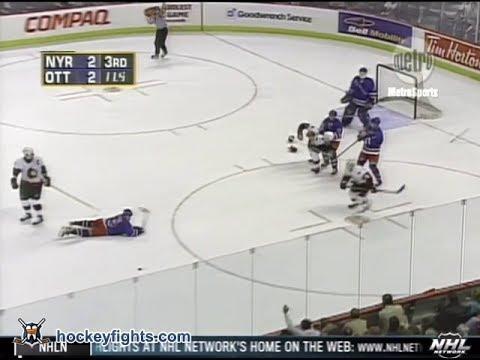 Daniel Alfredsson vs. Mathieu Schneider
