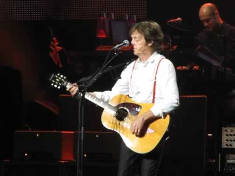 Paul McCartney - Something - George Harrison Tribute (Live in Montreal, 2011) HQ