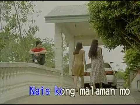 Hindi ako umiinom ng maraming tubig ngunit mayroon akong bags sa ilalim ng mata