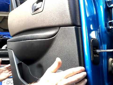 Как снять обшивку карту задней двери NISSAN QASHQAI(2007)demontaz boczka drzwi tyl/door panel remova