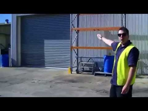 Forklift Training - How to lift a load - Part 1/6