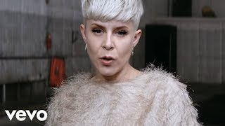 Call Your Girlfriend - Robyn  (Video)