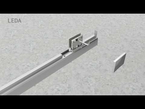 Montage d'une cabine Kara à porte pivotante