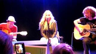 Anouk - Good God LIVE (Acoustic @ the fanday 2009!!)