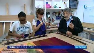 preview picture of video 'Oeuvre de Carlos Cruz-Diez détruite à La Roche-sur-Yon'