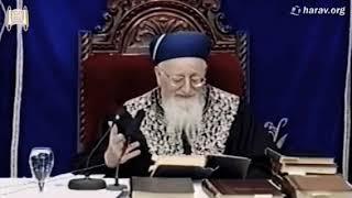 """מרן הרב מרדכי אליהו זצ""""ל - מספר על גדולת הבבא סאלי זצ""""ל שהציל אותי ברוח קודשו"""