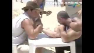 SYNTHOL MAN VS NON LIFTING GUY ARM WRESTLING !!!!