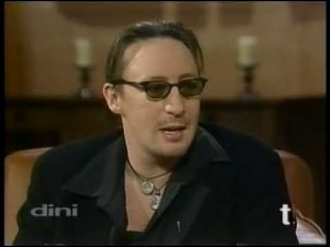Julian Lennon on how he had to buy letters between him and his father at auction because Yoko wouldn't give them to him.