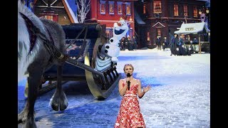 """Josh Gad, Kristen Bell appear for """"Olaf's Frozen Adventure"""" at D23 Expo 2017"""