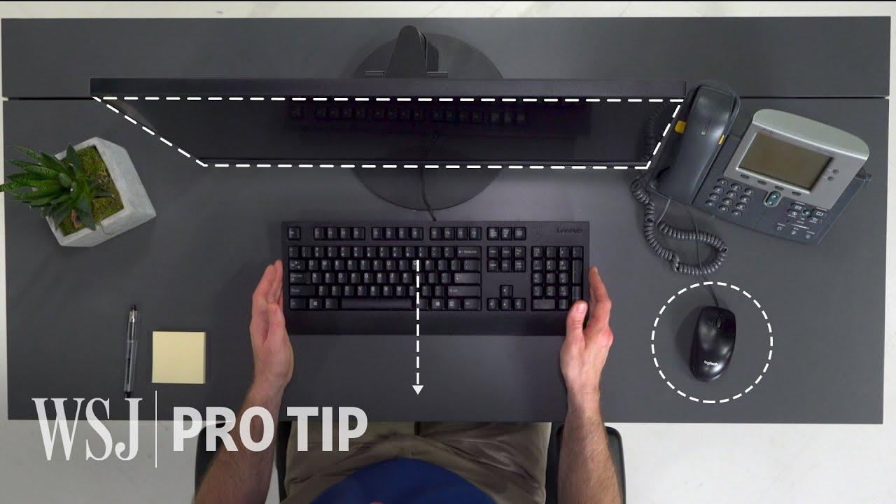 Cómo disponer convenientemente una mesa de trabajo con su silla, pantalla, teclado, ratón y gadgets