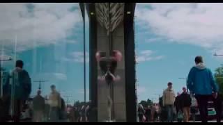 Trainspotting 2 - Apple store / Chase scene / Ukulele player