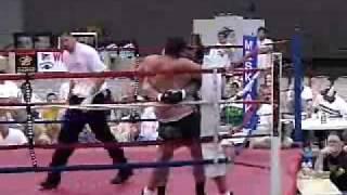 Travis Fulton vs big boxer fight
