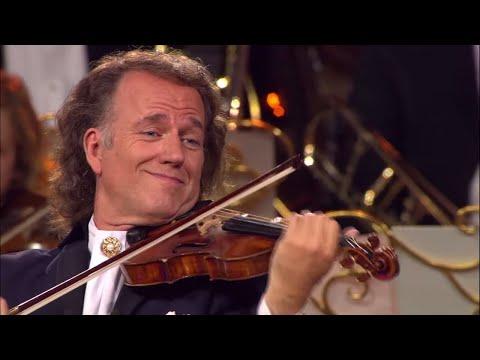 ביצוע נהדר למוזיקת לילה זעירה של אנדרו ריו ותזמורתו