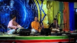 Рага Бихаг   Поёт Ильдар Хабибулин  Вечерний концерт на Сахадж фестивале в Одессе