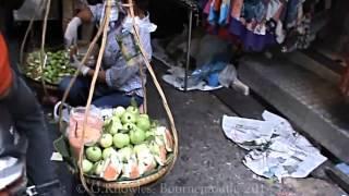 preview picture of video 'Ratchathewi District, Pratunam, Pratunam Market, Phetchaburi road,  Bangkok, Thailand. ( 7 )'