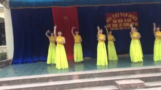 múa bài ca người giáo viên nhân dân - 11A8