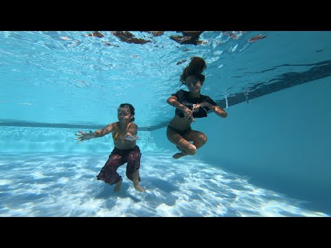 Carla Underwater Swimming with Lola