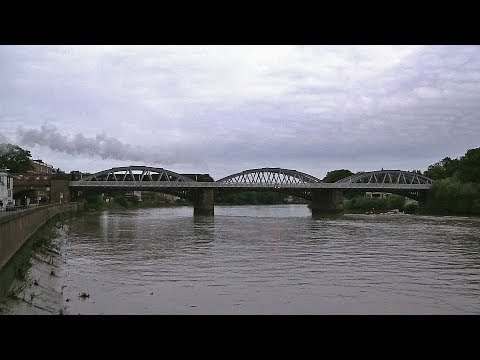 60009 'Union of South Africa' crosses Barnes Bridge with 'Th…