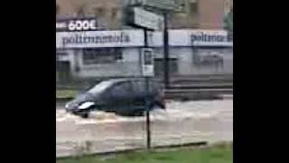 preview picture of video 'Roma allagata Tiburtina 11 dicembre 2008.avi'