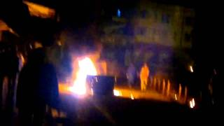 preview picture of video 'شرفاء زاخو يحرقون ملهى لأحد مسؤول حكومي ودكاكين الخمر'