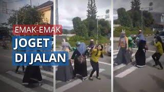 Bikin Geram, Video Tiga Emak-Emak Joget TikTok di Lampu Merah, Aksinya Ganggu Pengendara