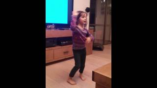 preview picture of video 'Abigail does her sisters routine'