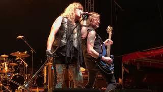 Black n Blue-autoblast-monsters of rock 2019