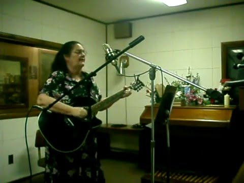 "Rosalee singing ""Little Blessings"" live at WMTC Sharathon 2010"