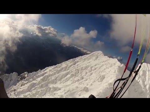 Zasnežene Kamniške Alpe iz zraka
