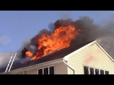 Lyndhurst Fire Department 2nd Alarm Working House Fire Page Ave Heavy Fire 1-6-18