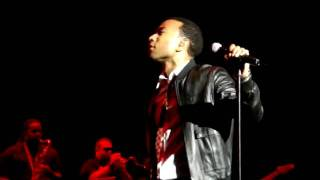"""Stereo"" performed live by John Legend in Honolulu, Hawaii"