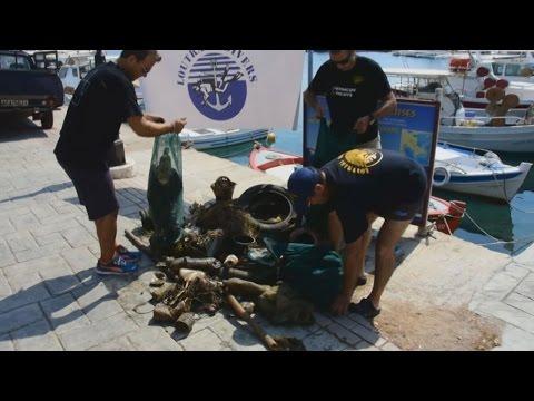 Έλληνες και Βρετανοί δύτες καθάρισαν το λιμάνι του Τολού