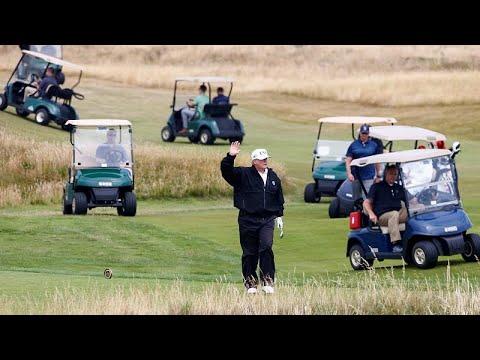 العرب اليوم - الرئيس دونالد ترامب يلعب الغولف
