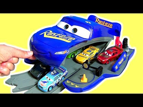 Cars 3 Transforming Fabulous Lightning McQueen Playset Transform In Raceway Track DisneyPixarCars3