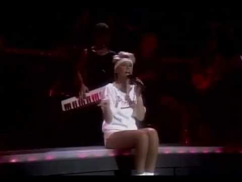 Olivia Newton-John - Physical (live)
