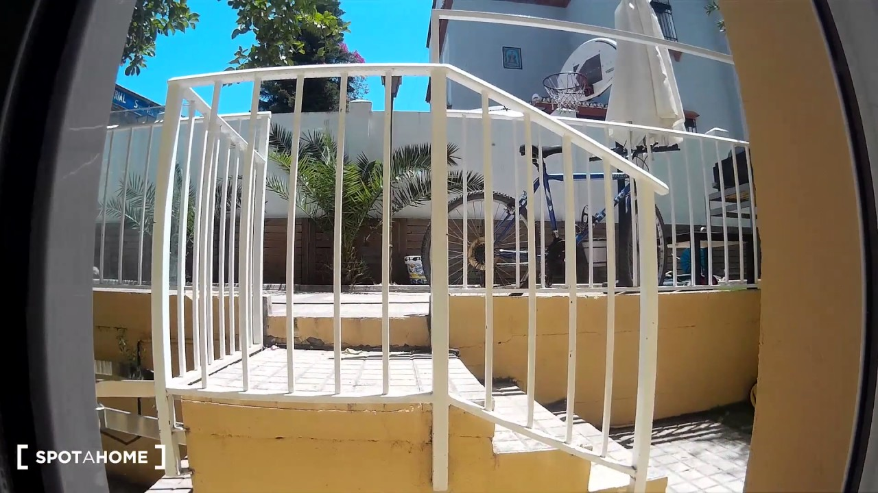 Rooms for rent in 17-bedroom house with shared terrace in Porvenir