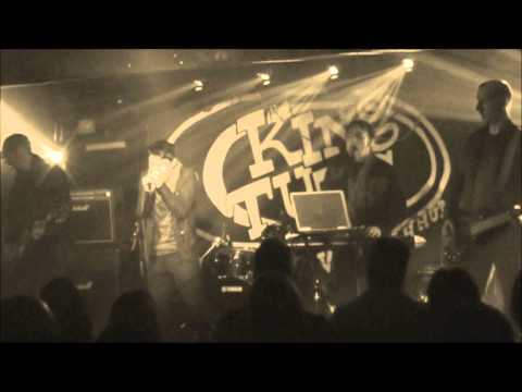capstin pole   Every day life Live @ King tuts wha wha hut  BW Glasgow