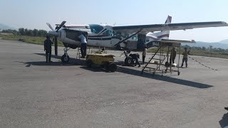 preview picture of video 'Landing at Jumla-nepal Airport'