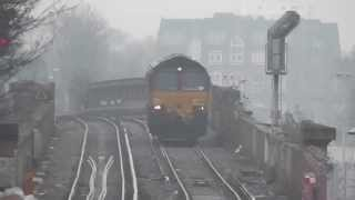 preview picture of video 'Class 60 204 light engine passing Lewisham'