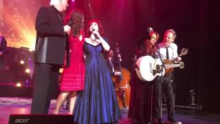 The Judds: (Wynonna Judd/Naomi Judd joined by Ashley Judd) preform Love Can Build a Bridge