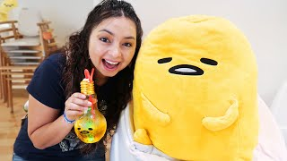Exploring a CUTE Gudetama Cafe in Japan!
